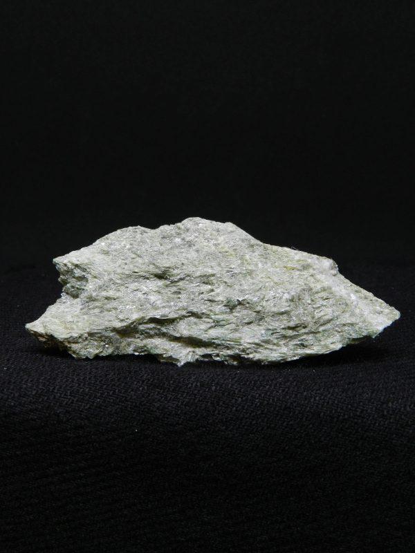 Flat side image of Actinolite