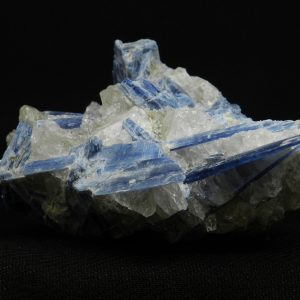 Close up image of shards within Blue Kyanite