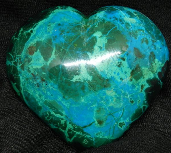 Close up Shattuckite Heart